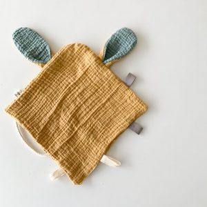 mantita sensorial para bebés mostaza